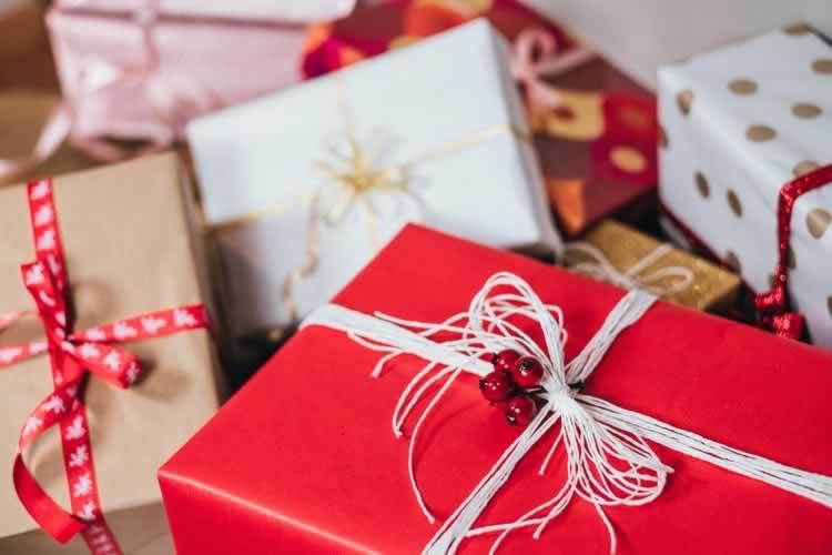 Come risparmiare sui regali di Natale: i nostri consigli