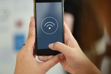 20 anni fa nasceva il Wi-Fi: la connessione che ha cambiato la società